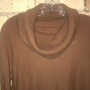 Sweaters - Cashmere sweater. Cowl neck.